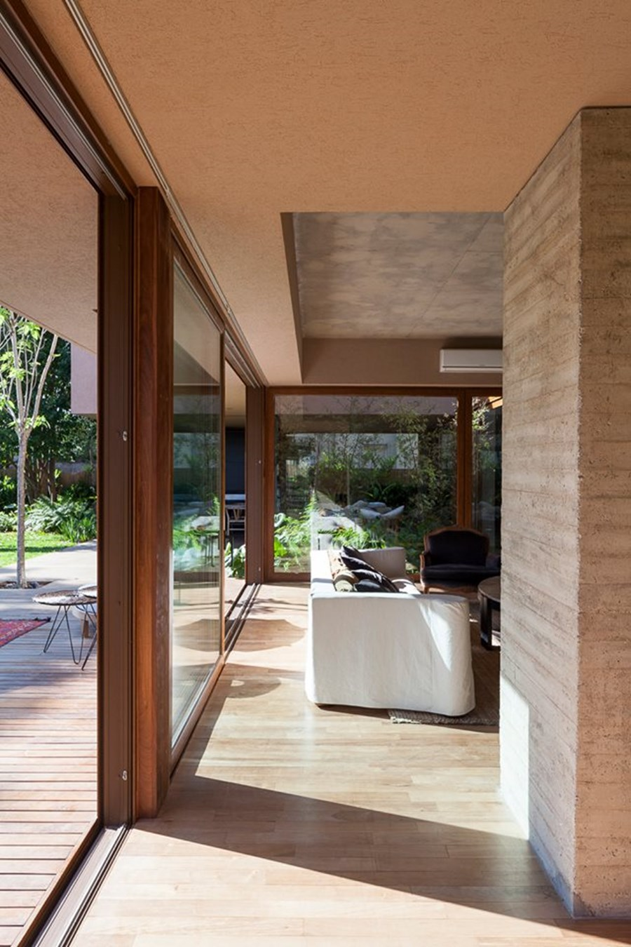Casa Mirasoles by Andres Fernandez Abadie 10