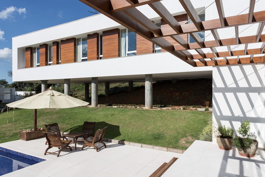 House 4.16.3 by Luciano Lerner Basso 02