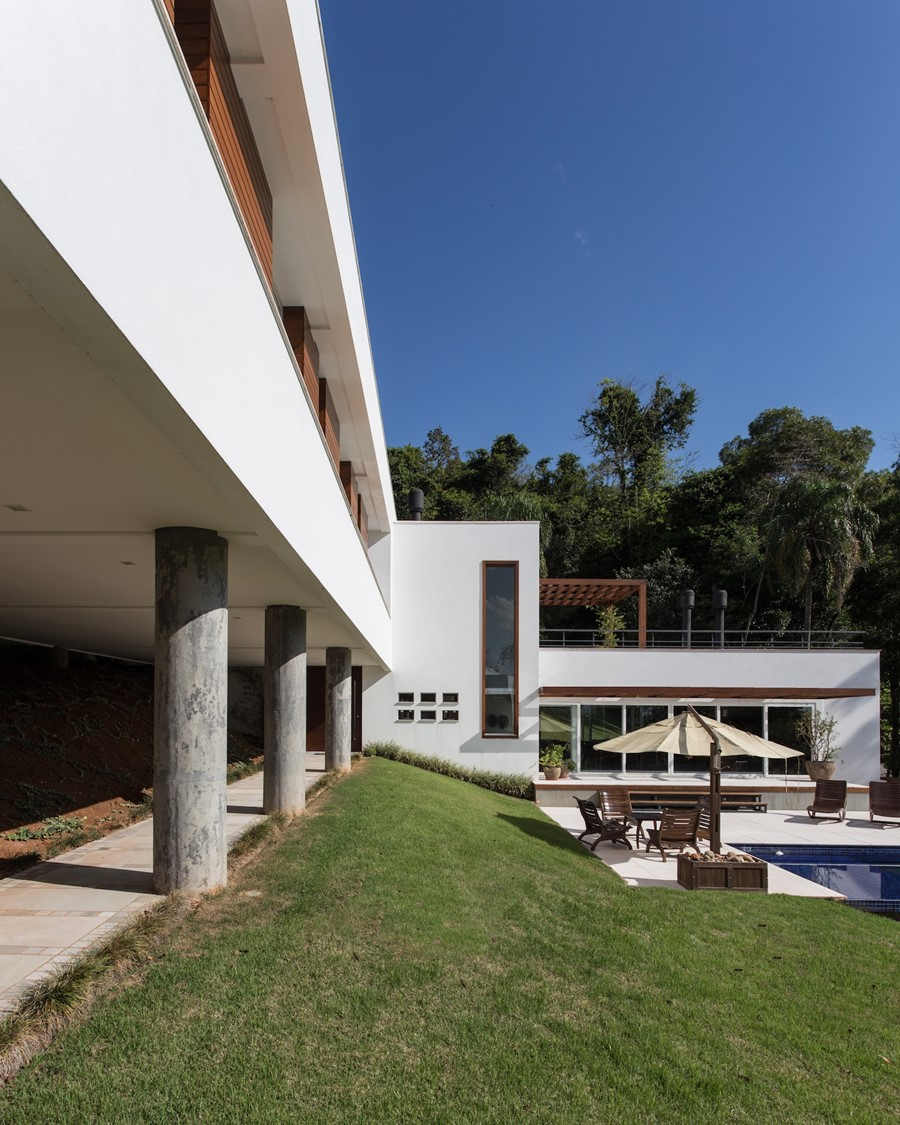 House 4.16.3 by Luciano Lerner Basso 14