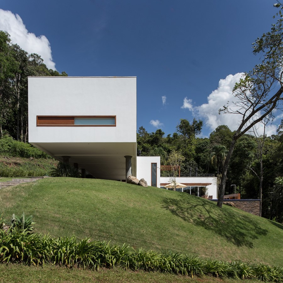 House 4.16.3 by Luciano Lerner Basso 17