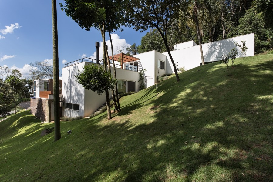 House 4.16.3 by Luciano Lerner Basso 21