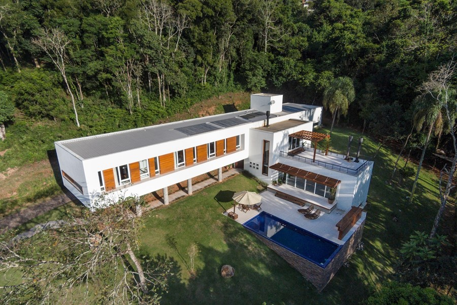 House 4.16.3 by Luciano Lerner Basso 22