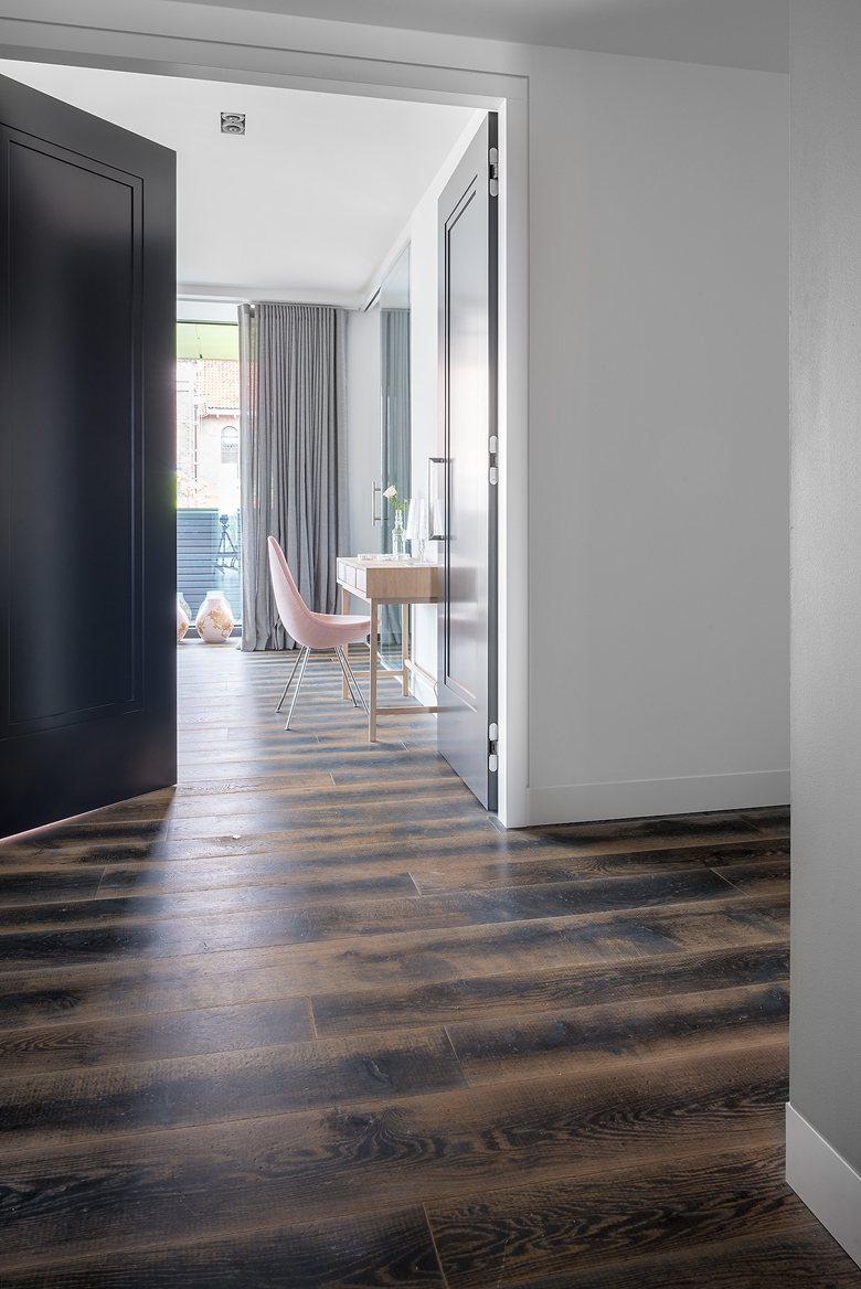 Amsterdam Apartment by Dennebos Flooring 04