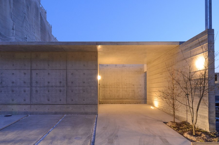 Concrete house by Huukei-Design.LLC 05