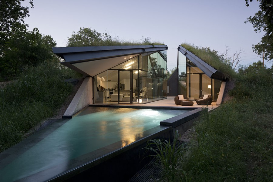 Edgeland House by Bercy Chen Studio LP 01
