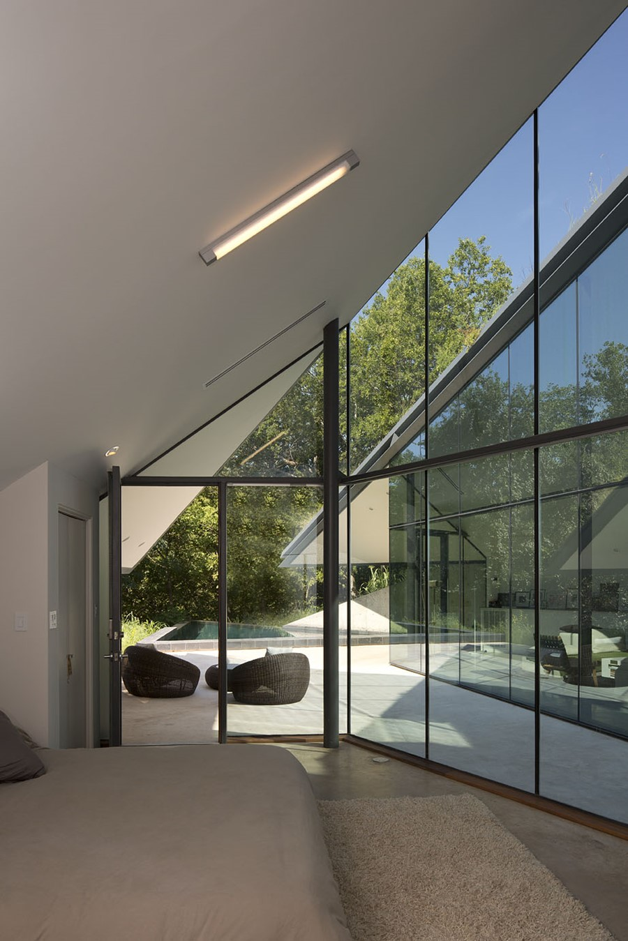 Edgeland House by Bercy Chen Studio LP 04