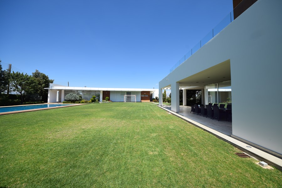 Pool house by Christos Pavlou Architecture 02
