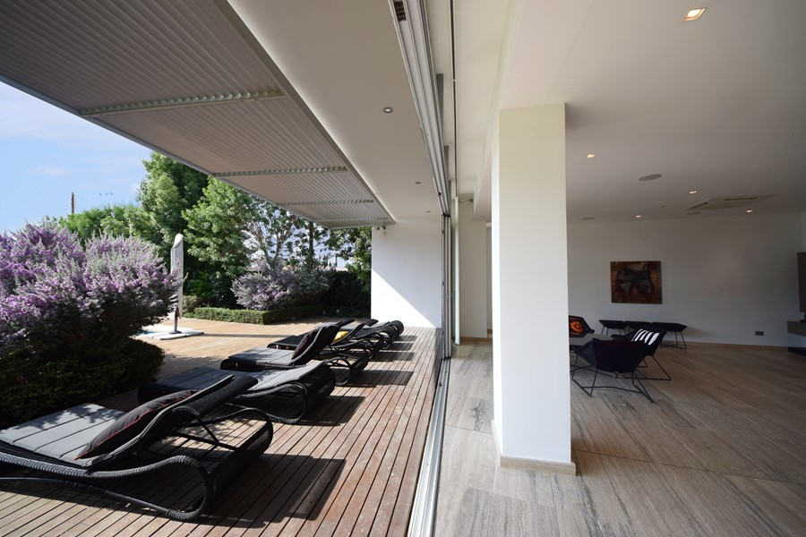 Pool house by Christos Pavlou Architecture 05