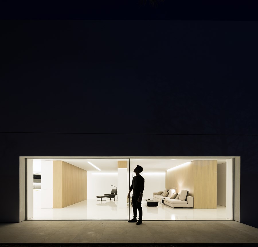 House between the pine forest by Fran Silvestre Arquitectos 10