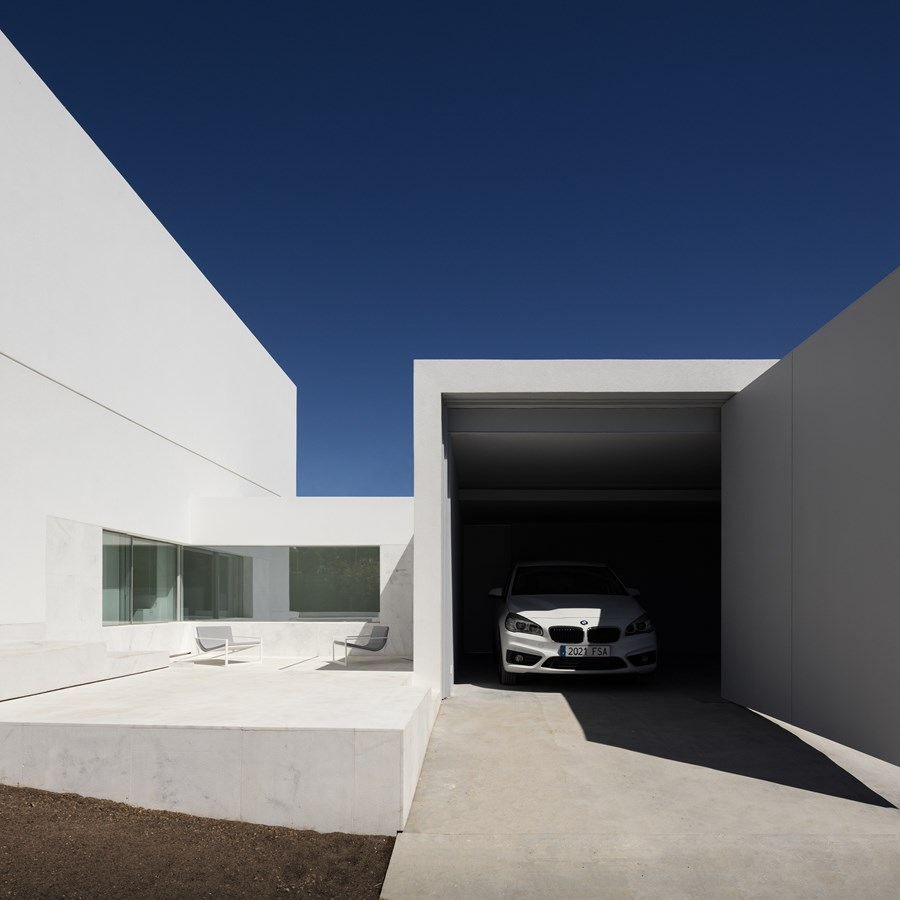 House between the pine forest by Fran Silvestre Arquitectos 15
