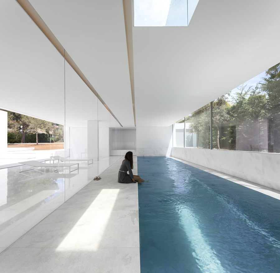 House between the pine forest by Fran Silvestre Arquitectos 19