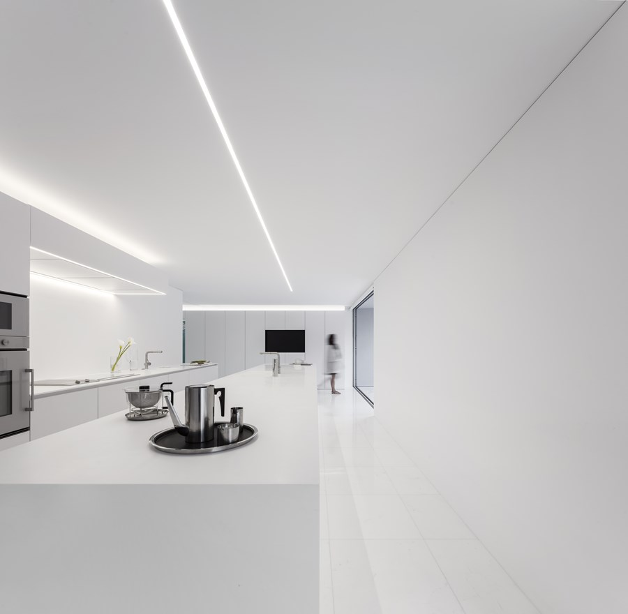 House between the pine forest by Fran Silvestre Arquitectos 25