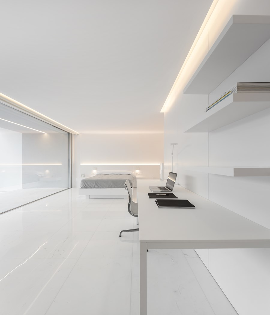 House between the pine forest by Fran Silvestre Arquitectos 28