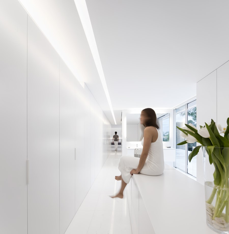House between the pine forest by Fran Silvestre Arquitectos 29