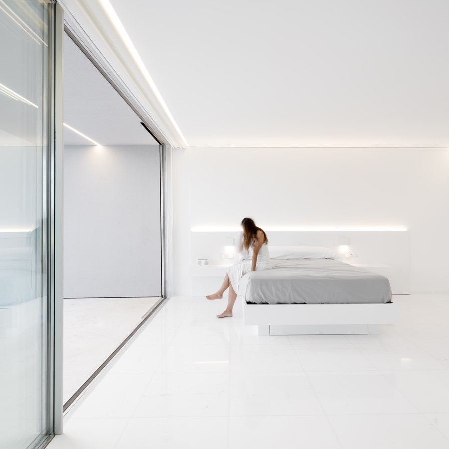 House between the pine forest by Fran Silvestre Arquitectos 31