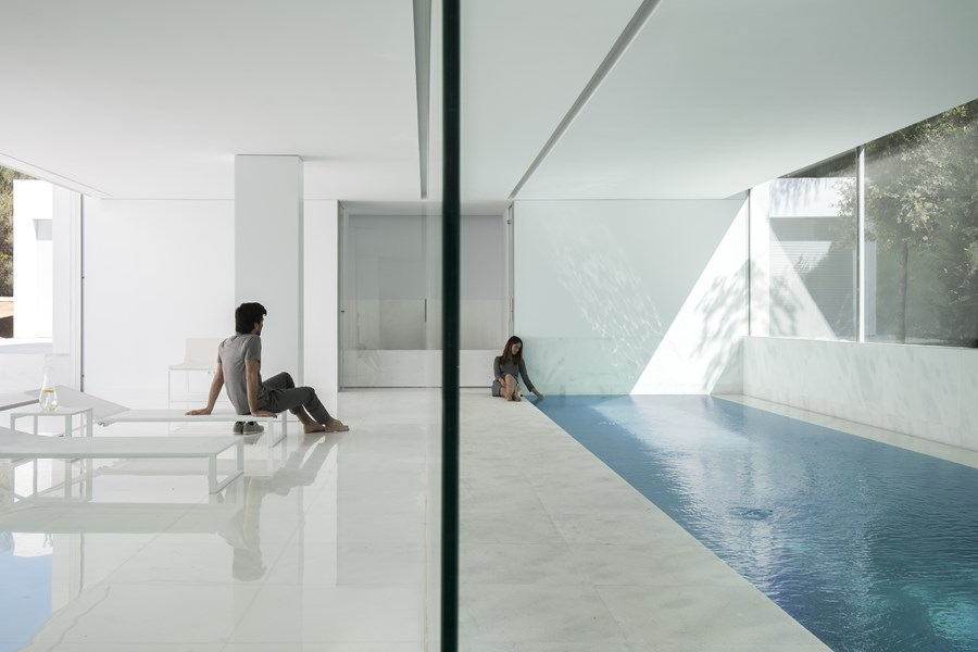 House between the pine forest by Fran Silvestre Arquitectos 35