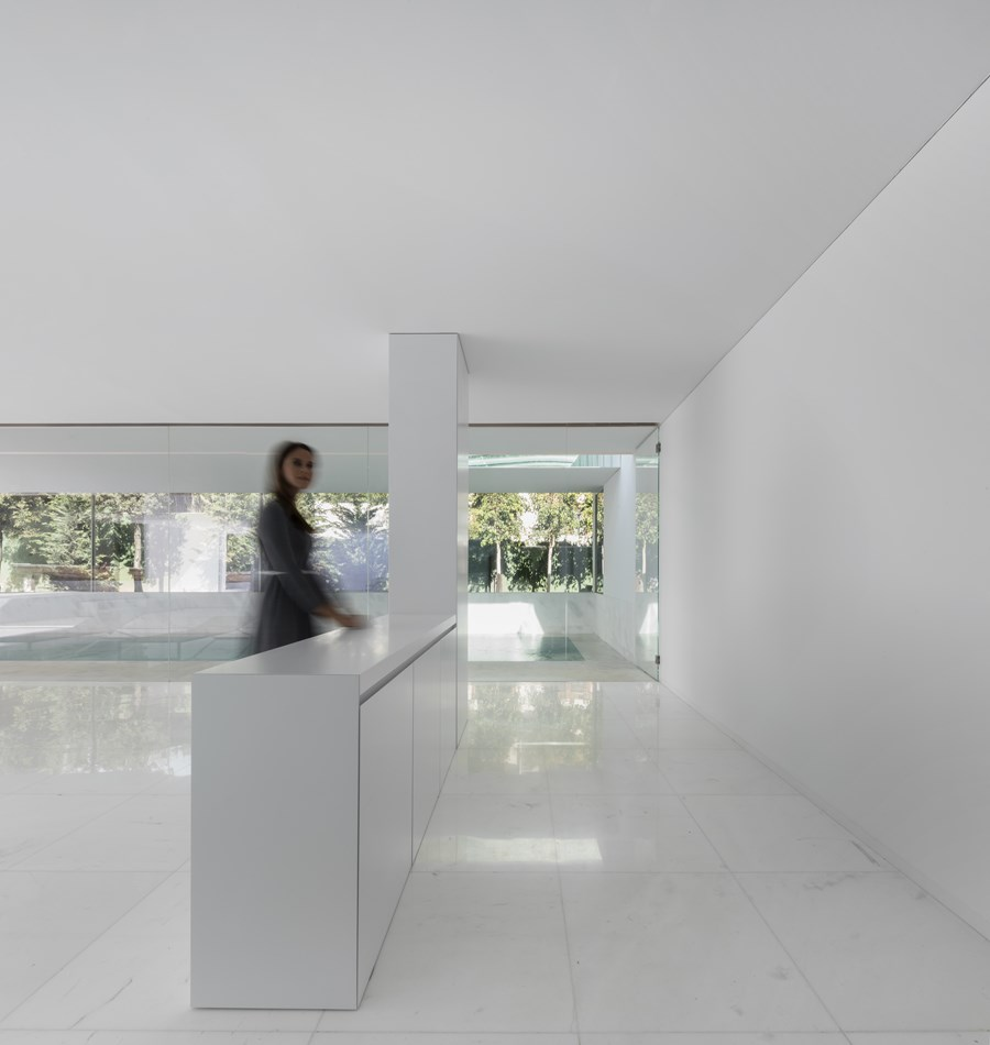 House between the pine forest by Fran Silvestre Arquitectos 36