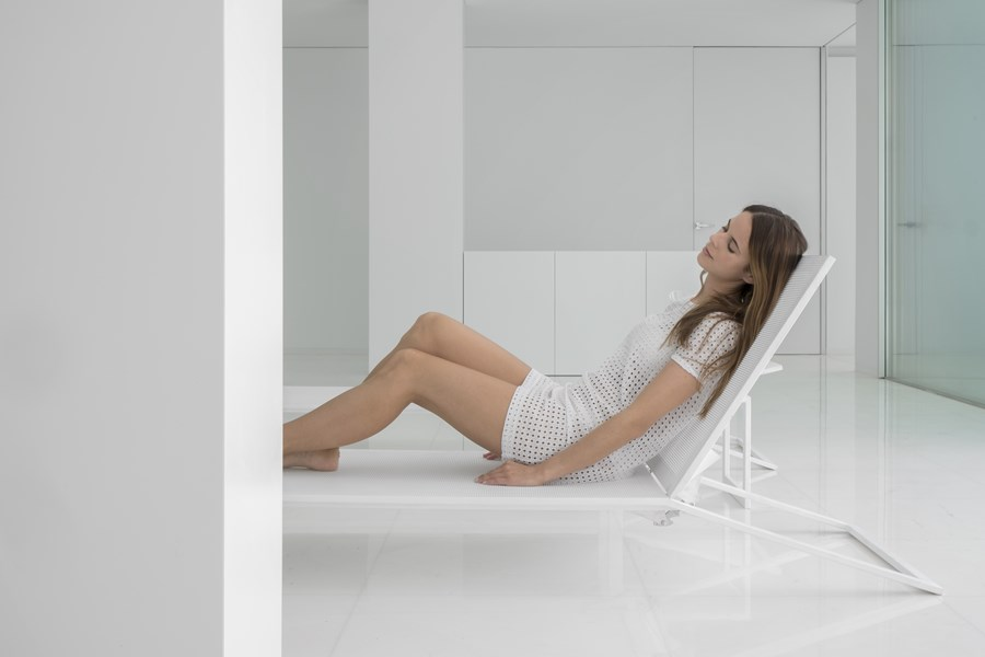 House between the pine forest by Fran Silvestre Arquitectos 37