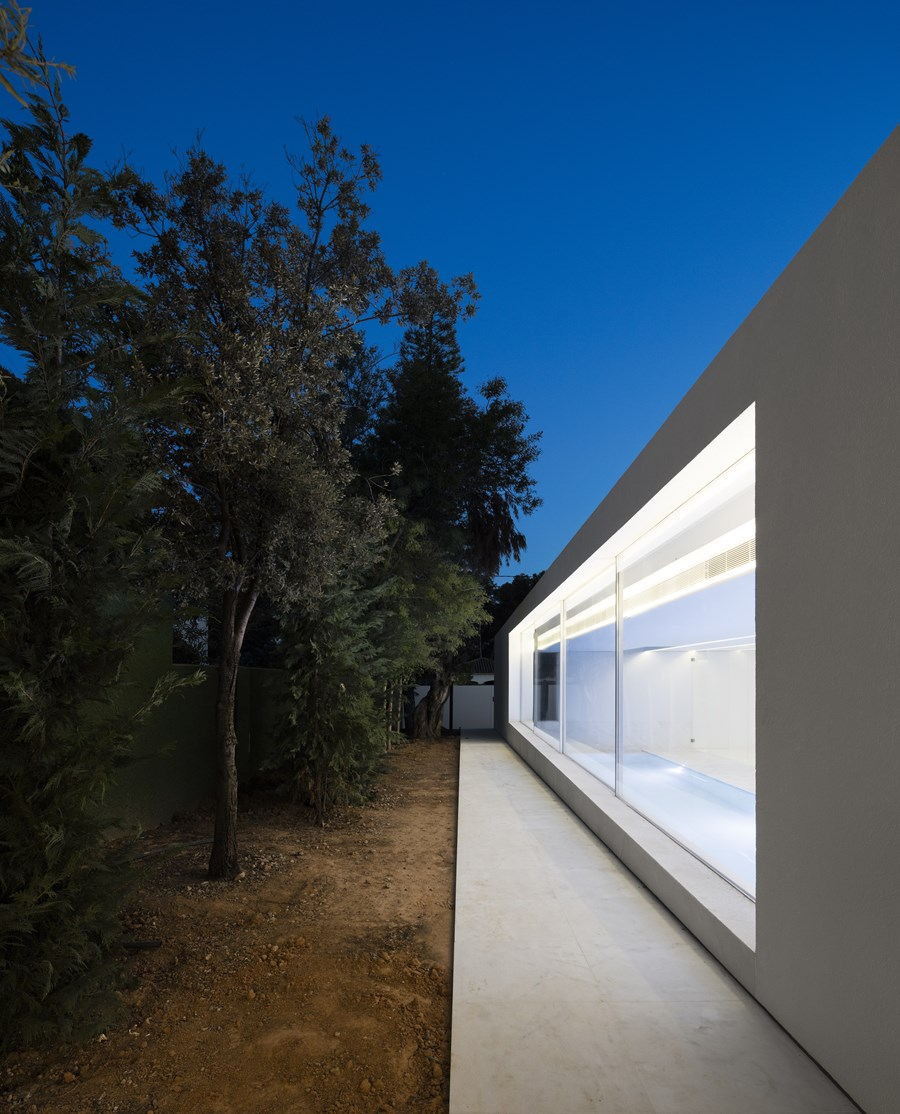 House between the pine forest by Fran Silvestre Arquitectos 45