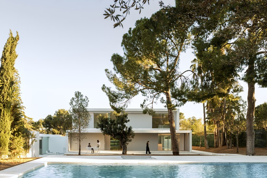 House between the pine forest by Fran Silvestre Arquitectos 46