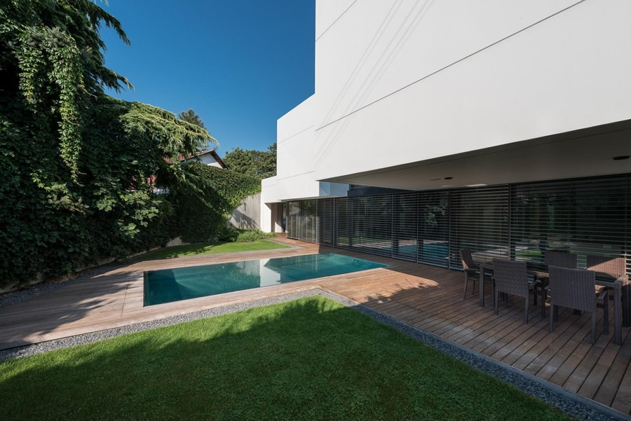 White Cubes House by at26 05
