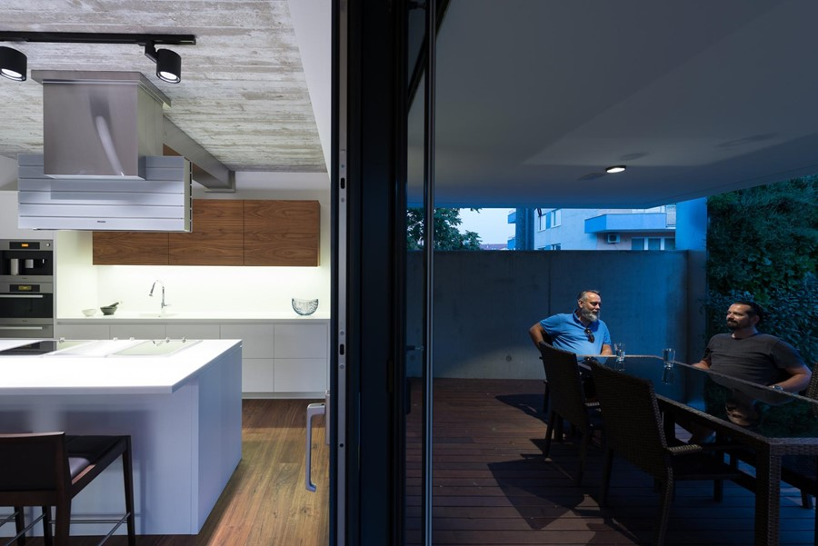 White Cubes House by at26 25