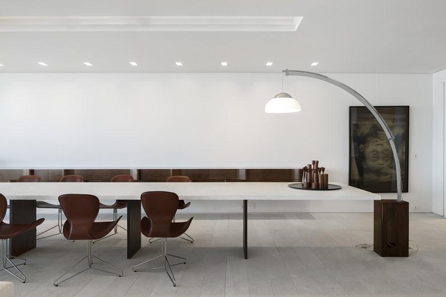 ipanema-apartment-by-studio-arthur-casas-03