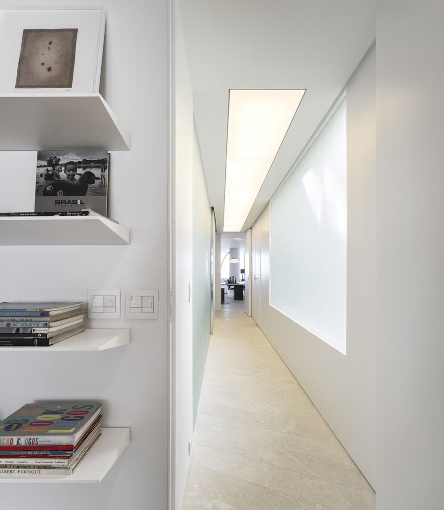 ipanema-apartment-by-studio-arthur-casas-10