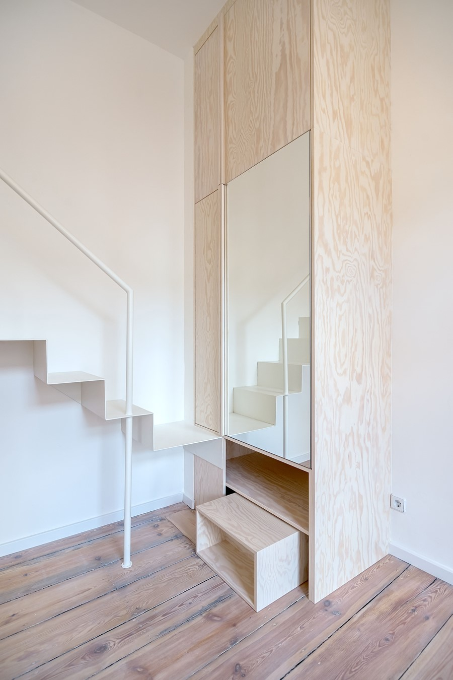 micro-apartment-in-berlin-moabit-by-spamroom-johnpaulcoss-11