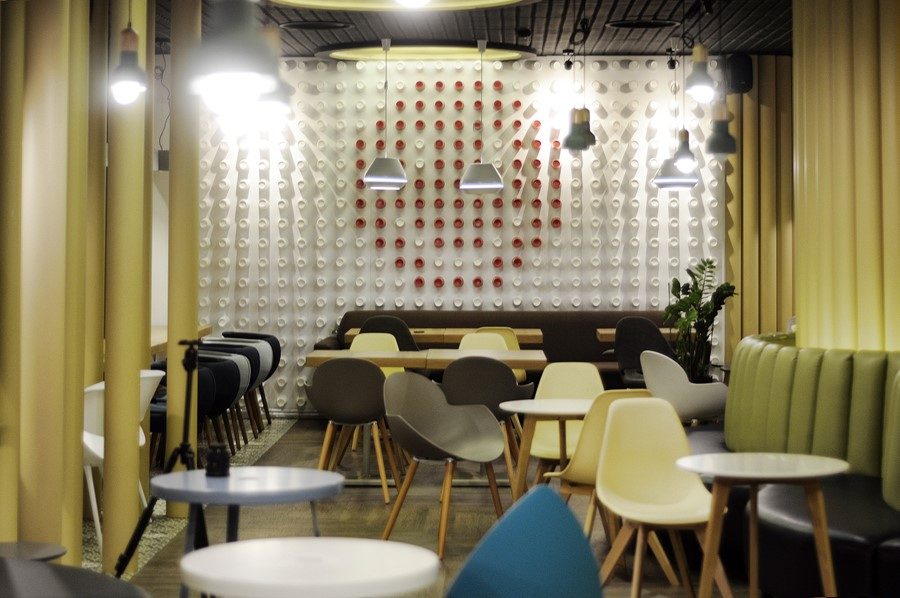 new-cafe-redcup-by-allartsdesign-09