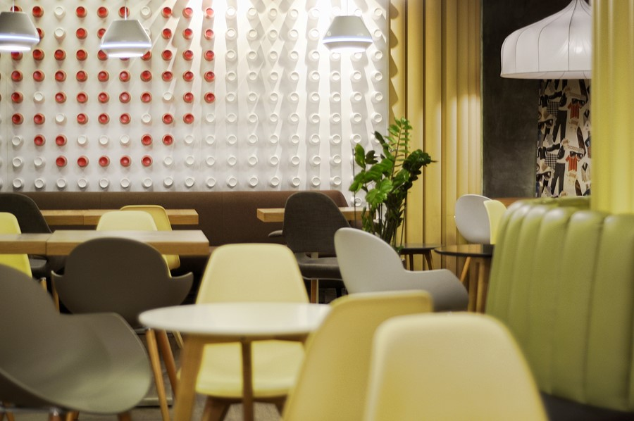 new-cafe-redcup-by-allartsdesign-11