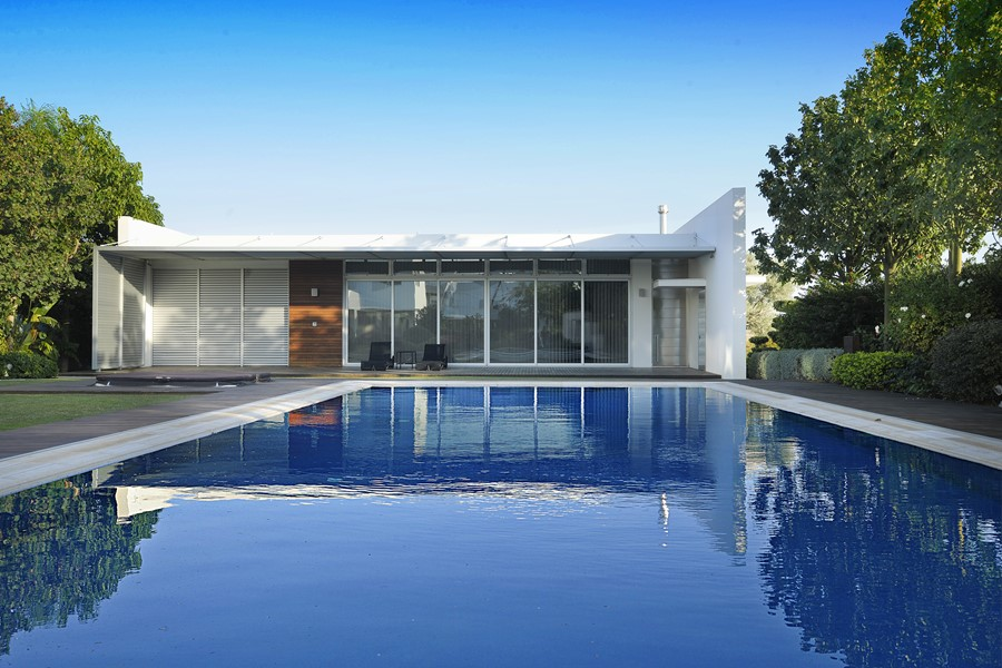pool-house-by-christos-pavlou-architecture-11