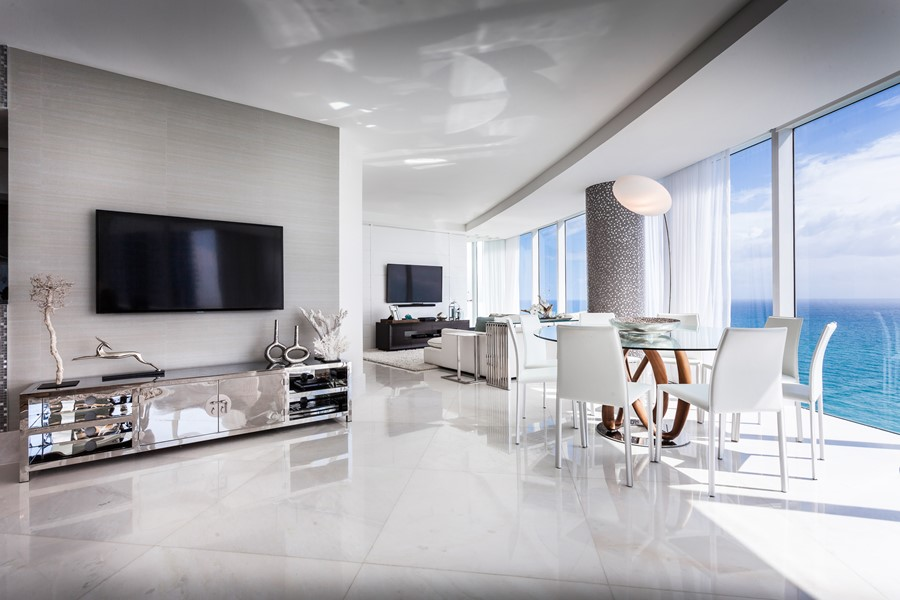 apartment-in-miami-by-regina-claudia-01