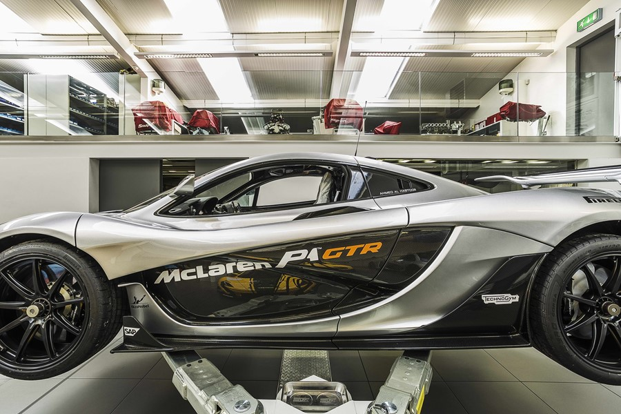 supercar-workshop-by-ob-architecture-11