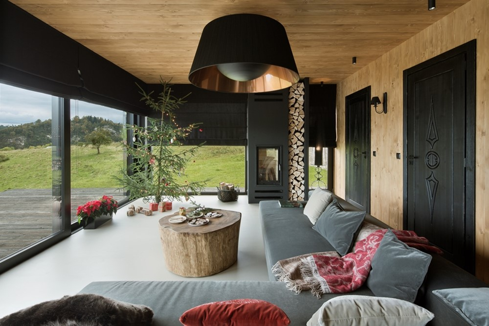 Tiny Home Designs: Mountain Cottage By HOLA Design Studio