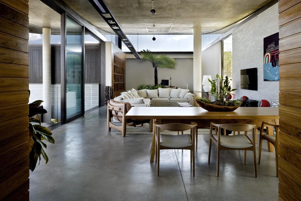 Casa da Escalada by Leo Romano