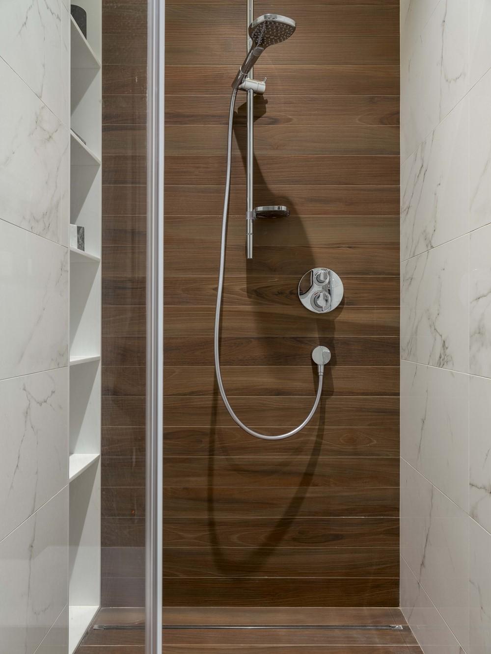aqua design by geometrium myhouseidea. Black Bedroom Furniture Sets. Home Design Ideas