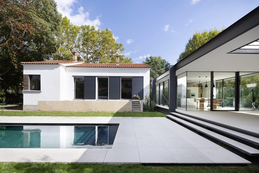 ctn house by brengues le pavec architectes 13 myhouseidea. Black Bedroom Furniture Sets. Home Design Ideas