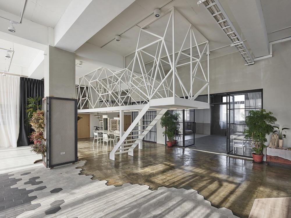 Mu-Mu Photography Studio by Han Yue Interior Design Co., Ltd