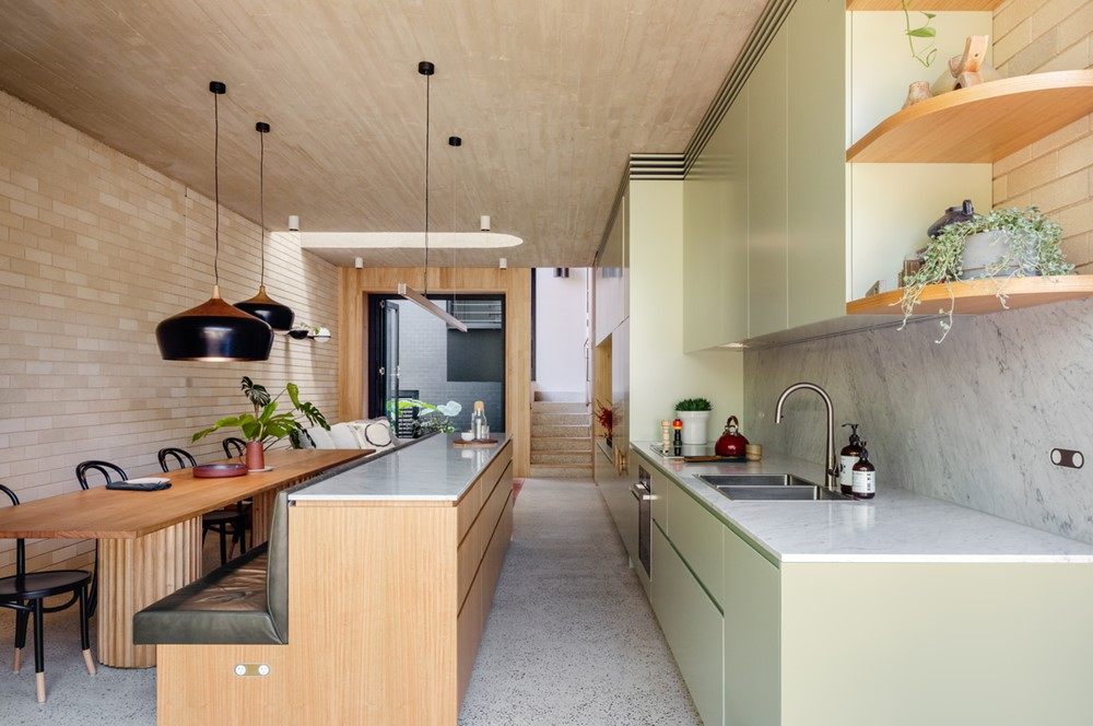 Concrete Blonde by Carter Williamson Architects