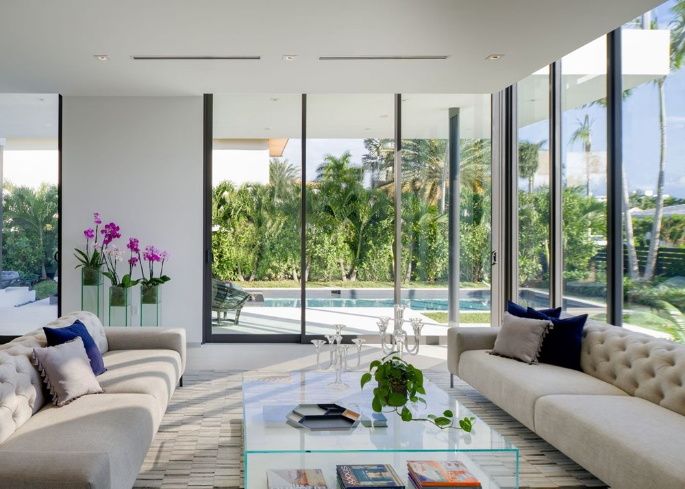 Bay Tropical Residence by SDH Studio Architecture + Design