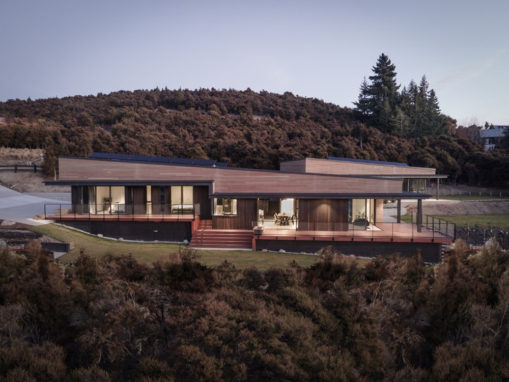 Hidden Hills Retreat by Condon Scott Architects
