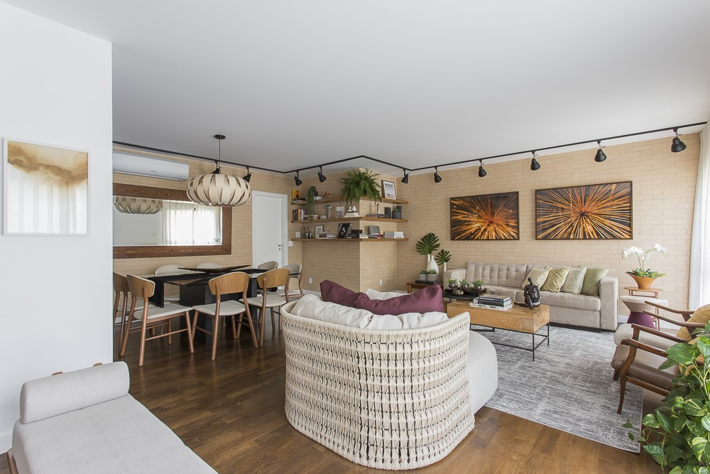 Apartment by Bia Hajnal