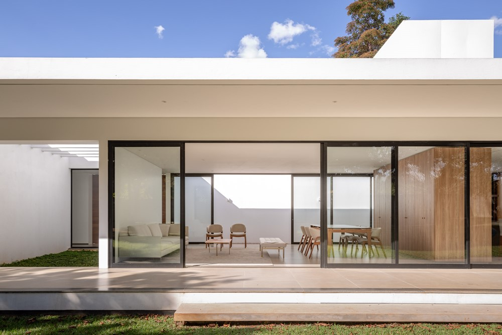 Park Way House by ARQBR